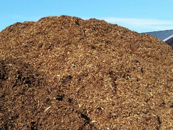 Dekkbark og jordblanding i bulk